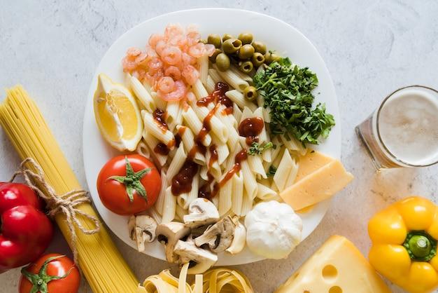 Leckere pasta mit zutaten