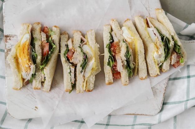 Leckere sandwiches mit weißbrot