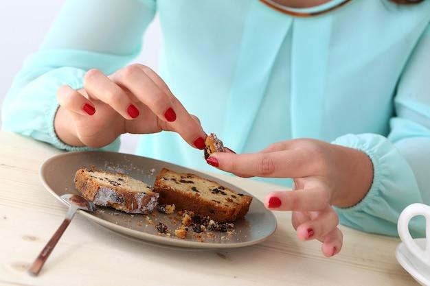 Leckere torte auf dem tisch