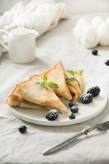 Leckere traditionelle russische pfannkuchen hautnah