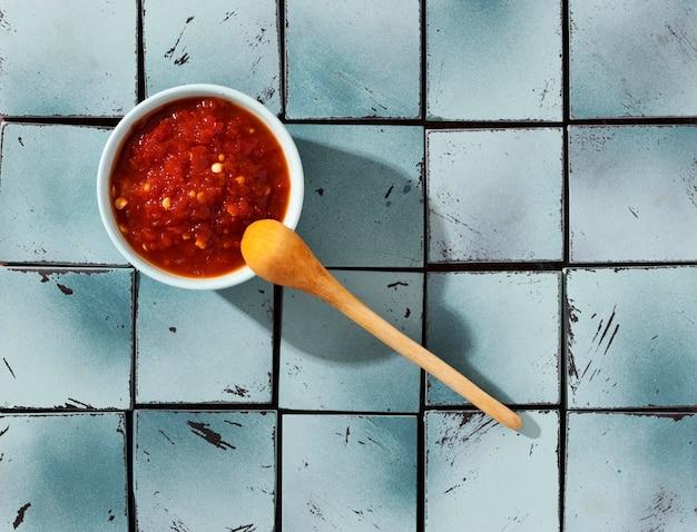 Leckeres essen mit sambal-komposition