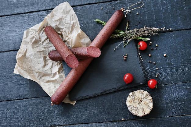 Leckeres fleisch mit zutaten