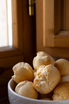 Leckeres käsebrot gebackenes arrangement