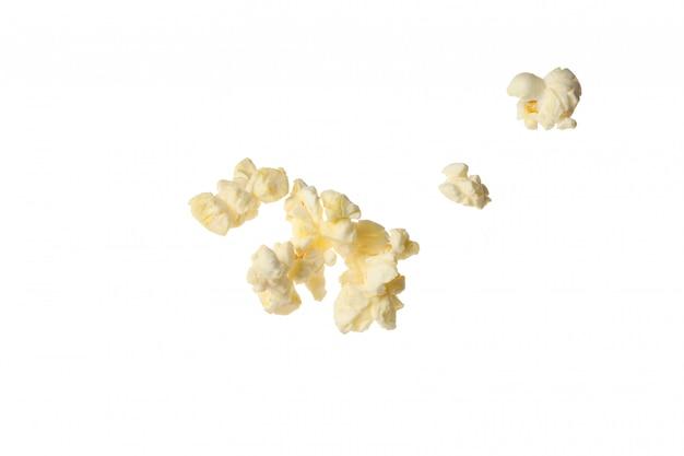Leckeres popcorn lokalisiert auf weiß. essen fürs kino