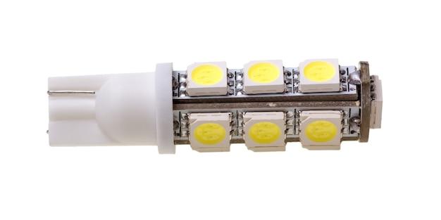 Led-lampe für auto mit 13 smd-leds isoliert auf weißem hintergrund