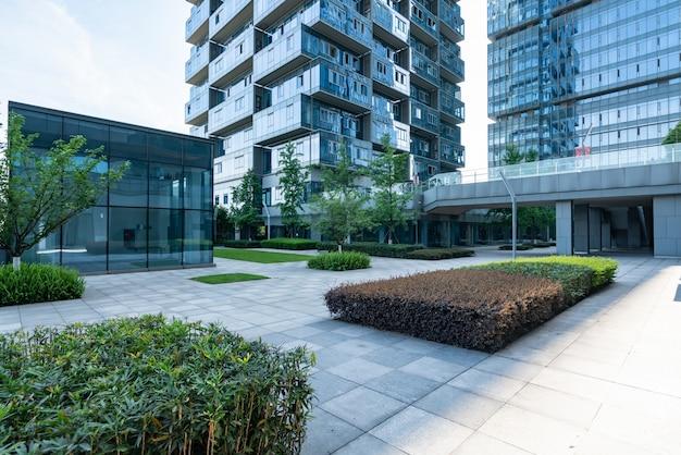 Leere böden und bürogebäude im finanzzentrum, chongqing, china