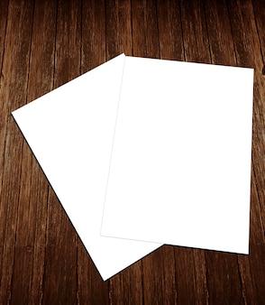 Leere flyer des weißbuches a-4 auf hölzernem hintergrund