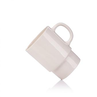 Leere kaffeetasse oder tasse für heißes getränk.