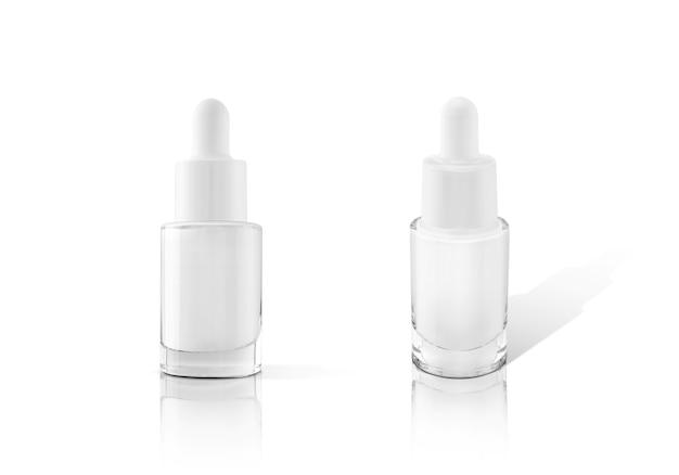 Leere verpackung glas tropfer serumflasche isoliert auf weiß