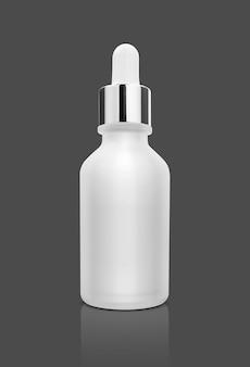 Leere verpackung weiße glas tropfer serumflasche isoliert auf grauer oberfläche mit clipping-pfad bereit für kosmetische produktdesign