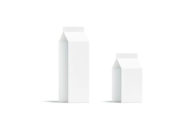 Leere weiße kleine und große milchpackung, isoliert, 3d-rendering. leerer papierbeutel für frisches getränk, halbe vorderansicht. klare rex-verpackung für milchprodukte.