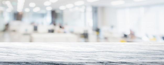 Leere weiße marmorsteintischplatte an verwischt