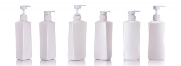 Leere weiße pumpenplastikflasche für shampoo oder seife.