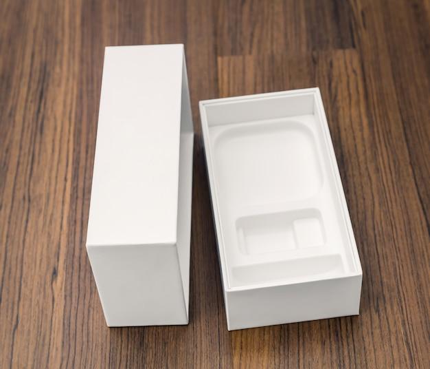 Leere weiße verpackung