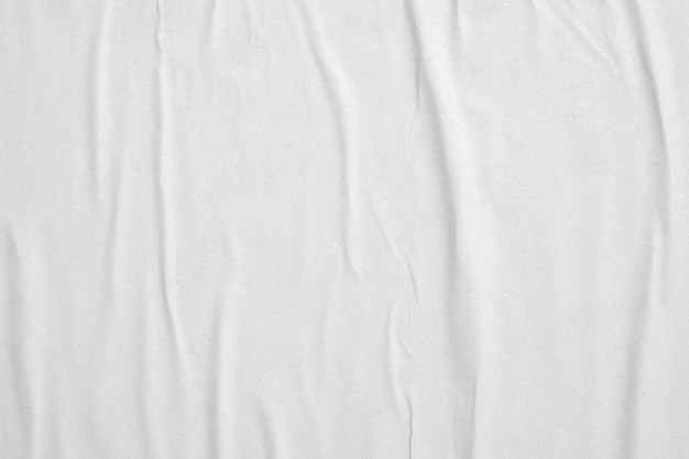 Leere weiße zerknitterte und zerknitterte papierplakatstruktur