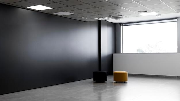 Leerer büroraum mit kopierraum