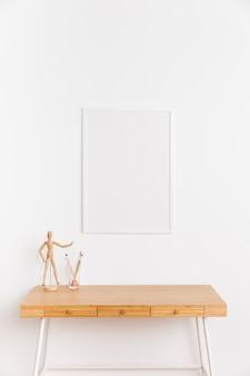 Leerer rahmen mit tabelle und abbildung