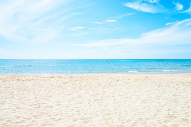 Leerer see- und strandhintergrund