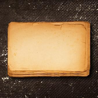 Leerer weinlesepapierhintergrund
