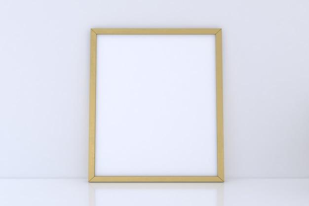 Leeres goldenes rahmenmodell auf weißem hintergrund