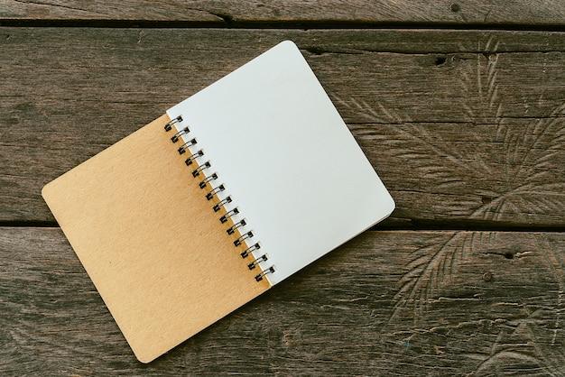 Leeres notizbuch