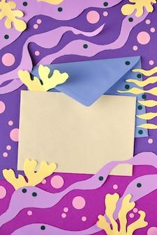 Leeres papier- und umschlagmodell. abstrakter unterwasserhintergrund. von matisse inspirierte collage aus papierkunst
