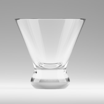 Leeres transparentes dreieckiges glas für kosmopolitische cocktail-, wermut- oder trinkschüsse an der bar