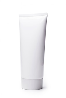 Leeres weißes kosmetisches gefäß lokalisiert auf weißem hintergrund.