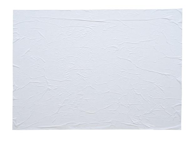 Leeres weißes zerknittertes und zerknittertes aufkleberpapierplakatbeschaffenheit lokalisiert auf weißem hintergrund