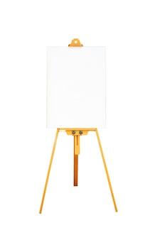 Leeres whiteboard und schild isoliert auf weißem hintergrund. datei enthält mit beschneidungspfad so einfach zu arbeiten. leerer kopierraum für text hinzufügen.
