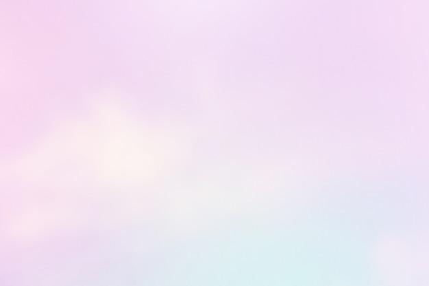 Leicht bewölkt mit violettem farbverlauf