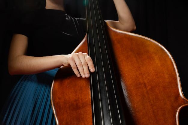 Leidenschaftlicher musiker feiert jazz day event