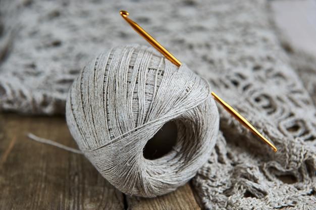 Leinenbällchen für das strickhandwerkskonzept