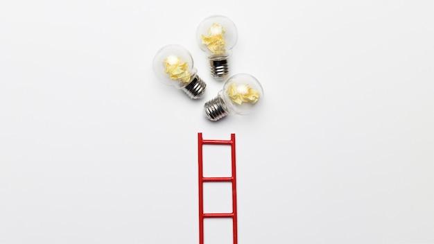 Leiter mit glühbirnen