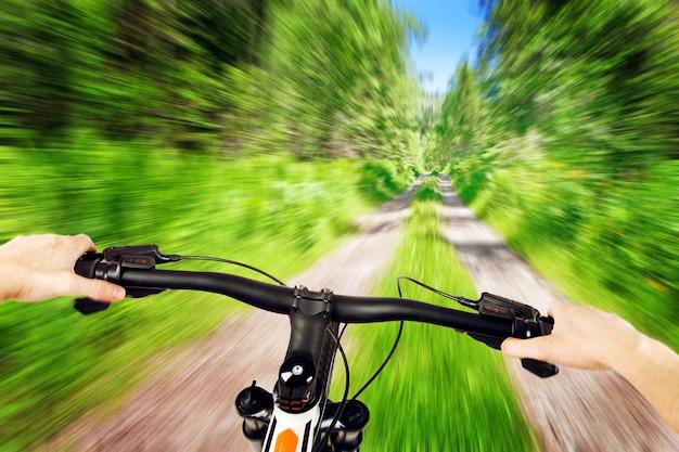 Lenker für mountainbike-fahren