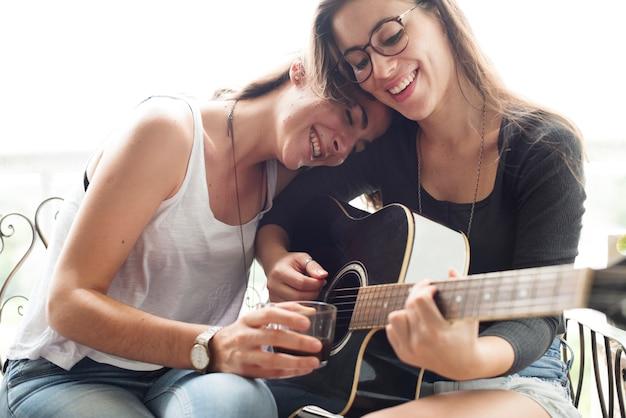 Lesbisches paar verliebt