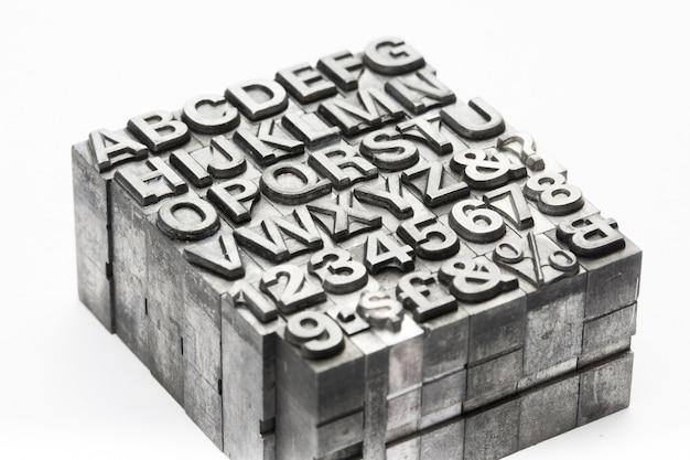 Letterpress - blockbuchstabe englisches alphabet und nummer