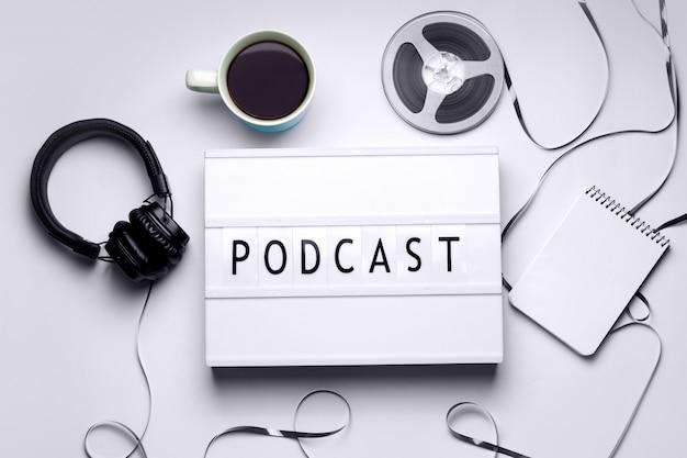 Leuchtkasten mit 'podcast'