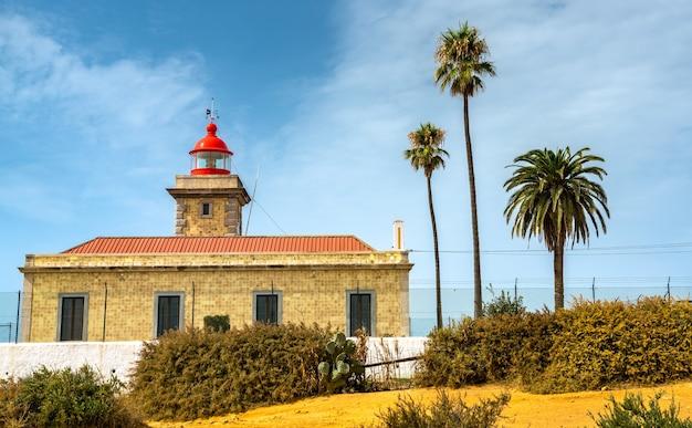 Leuchtturm an der ponta da piedade in lagos - algarve, portugal