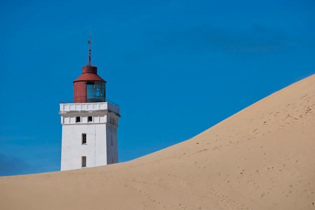 Leuchtturm auf einer sanddüne