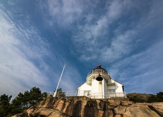 Leuchtturm bei odderoya in kristiansand, norwegen