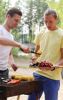 Leute auf dem picknick