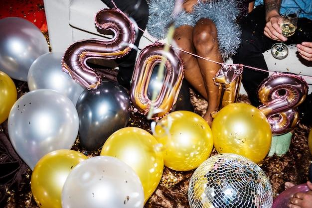 Leute, die eine party genießen