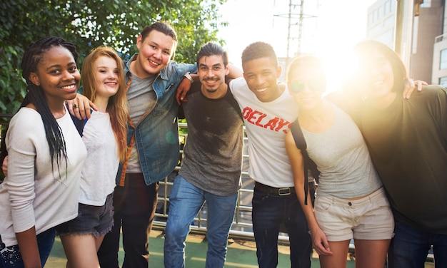 Leute-freundschafts-zusammengehörigkeits-gruppen-team unity concept