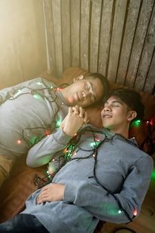 Lgbt-männliche homosexuelle liebhaber, homosexuelles paar im bett
