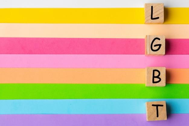 Lgbt-stolz. lesben homosexuell bisexuelle transgender. das konzept der regenbogenliebe