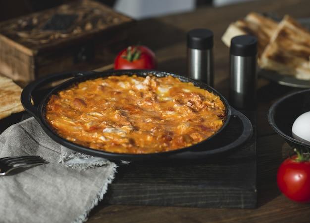 Libanon und indische küche, curry mit hähnchenfilet