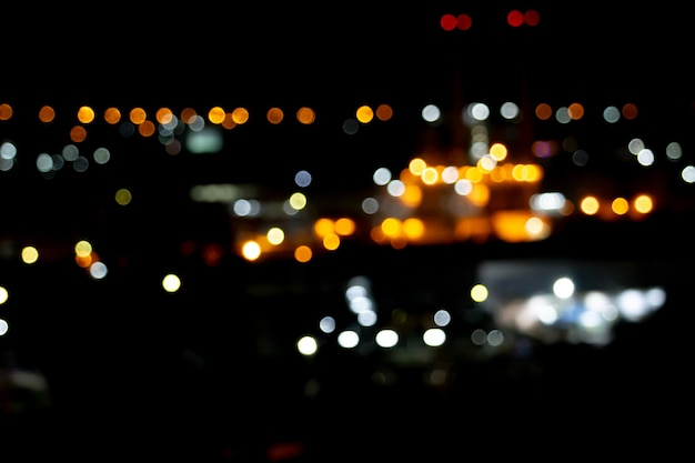 Lichter einer stadt in der nacht
