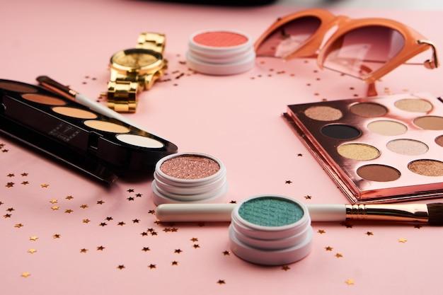Lidschatten-accessoires und make-up-pinsel-kollektion
