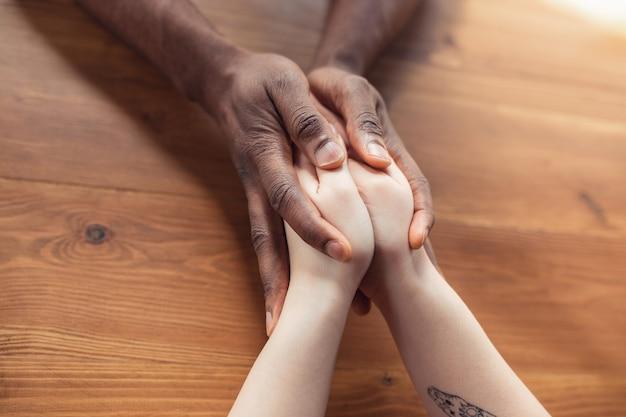 Liebe, familie, unterstützung, freundschaft